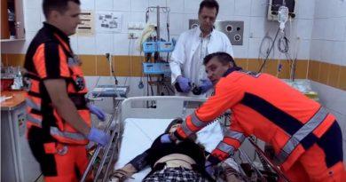 UWAGA! Młodzi chemicy a dopalacze – 9 młodych osób w szpitalu po zażyciu substancji psychoaktywnych [FILM]