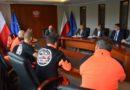 Wojewoda wielkopolski spotkał się z protestującymi ratownikami