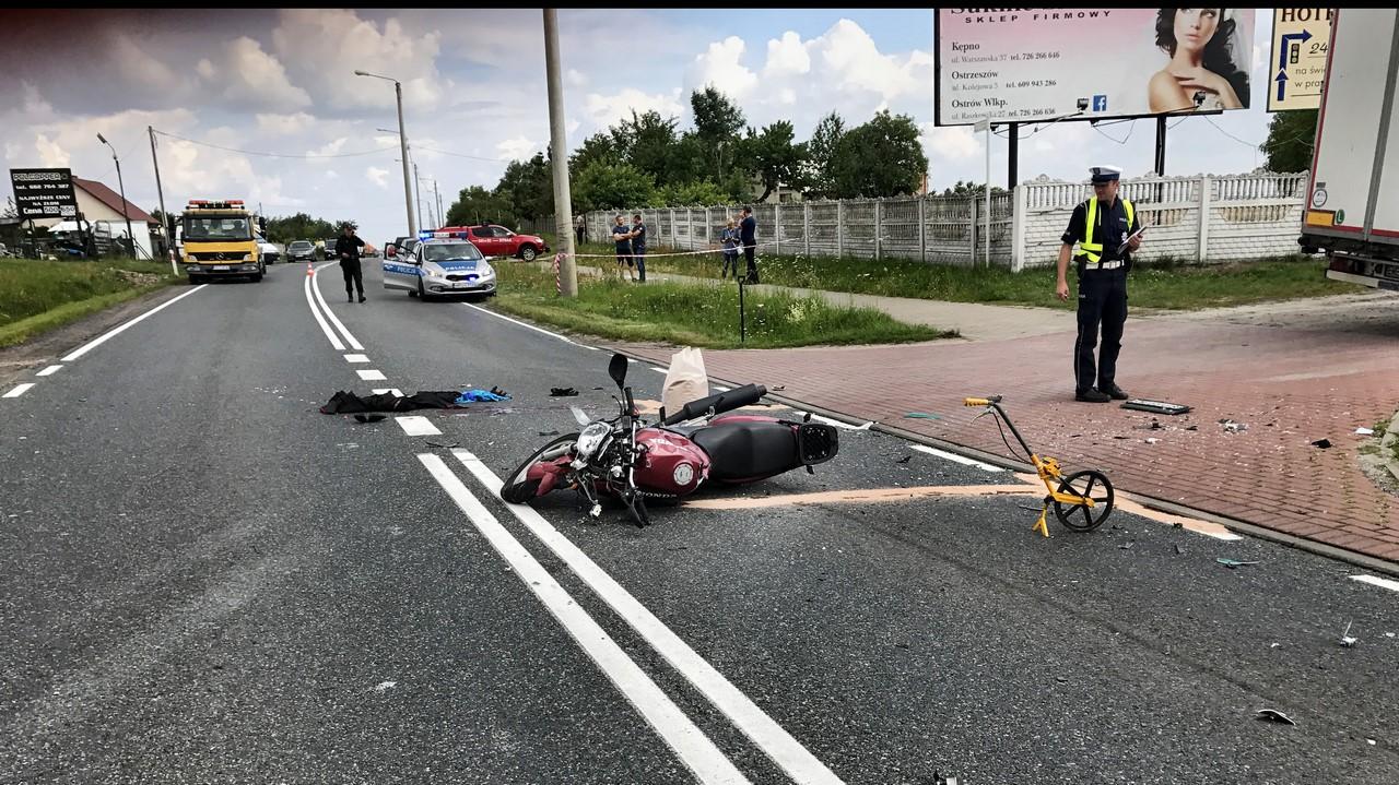 23-letni motocyklista zmarł po zderzeniu z ciężarówką .Śmigłowiec LPR nie doleciał bo miał awarię