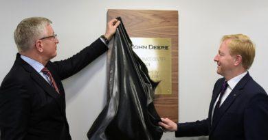 John Deere inwestuje w Poznaniu