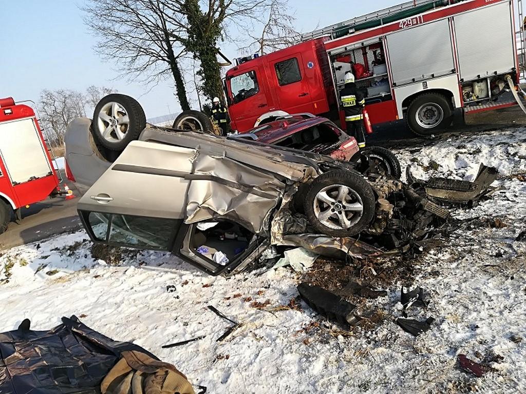 Tragiczne zderzenie Jeepa ze Skodą. Nie żyje jedna osoba !