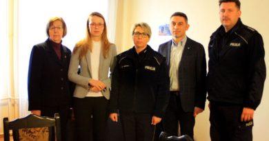 Wizyta Marty Kubiak – Posłanki na Sejm RP w Komisariacie Policji w Rakoniewicach