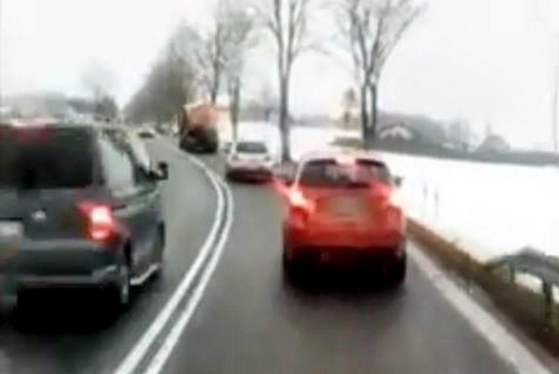 Pirat drogowy z Buku w rękach nowotomyskich policjantów [FILM]