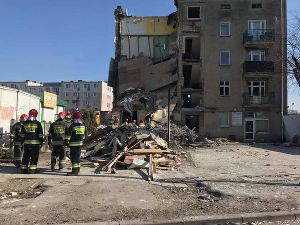 Bilans ofiar wybuchu niestety zwiększył się ! Nie żyje już pięć osoby, co najmniej 8 ciężko rannych w tym dziecko! Potężny wybuch gazu w Poznaniu