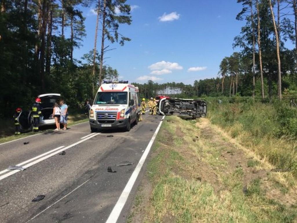 Karambol ! Uszkodzone trzy pojazdy, cztery osoby przetransportowane do szpitala w Nowym Tomyślu