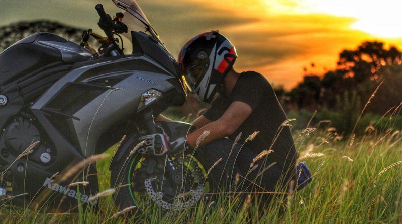 ZATRZYMANY MOTOCYKLISTA BEZ PRAWA JAZDY Z NARKOTYKAMI