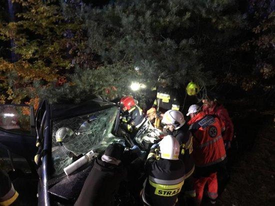 Nowy Tomyśl : Tragiczny wypadek w okolicach Bukowca! Dwie osoby nie żyją ![AKTUALIZACJA, ZDJĘCIA]