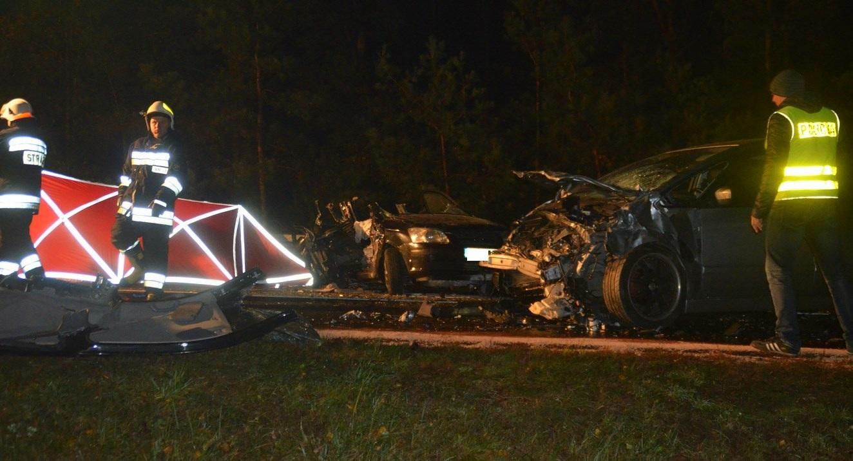 Olbrzymia tragedia ! Trzy osoby zginęły w wypadku drogowym ! [ZDJĘCIA, FILM]