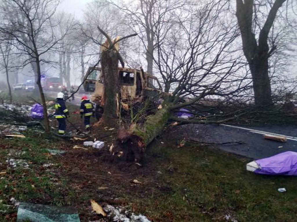 Bardzo groźny wypadek wojskowej ciężarówki należącej do armii USA.