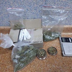 Narkotyki i małe laboratorium w domu