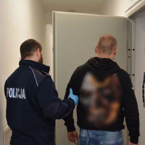 ARESZT ZA NARKOTYKI! BMW z przyciemnionymi szybami zwróciło uwagę policjantów