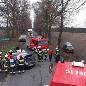 Nowy Tomyśl - poważny wypadek dwóch samochodów osobowych w Wąsowie