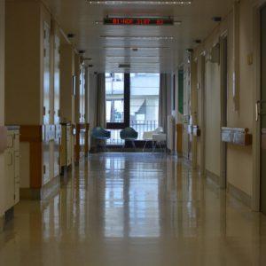 Uwaga! 6 nowych przypadków zakażenia koronawirusem potwierdzonych wynikami testów laboratoryjnych. Nie żyją trzy osoby [AKTUALIZACJA]