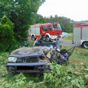 Bardzo niebezpieczny wypadek w Grobi! Pięć osób trafiło do szpitali. W akcji dwa śmigłowce LPR [AKTUALIZACJA]