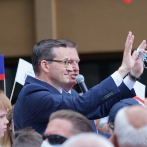 Premier Morawiecki w firmie BeroTu. Szef Rządu spotkał się również z mieszkańcami Nowego Tomyśla [ZDJĘCIA, FILM]