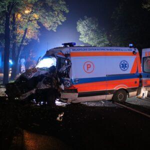 Wypadek drogowy z udziałem karetki pogotowia