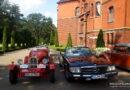 Perły motoryzacji na dziedzińcu Pałacu w Wąsowie. 47 Poznański Międzynarodowy Rajd Pojazdów Zabytkowych [ZDJĘCIA, FILM]
