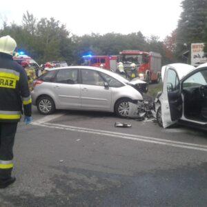 Bardzo groźne zdarzenie drogowe na drodze Zbąszyń - Nowy Tomyśl. [AKTUALIZACJA]