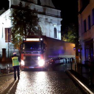 Wolsztyn - TIR zablokował centrum miasta
