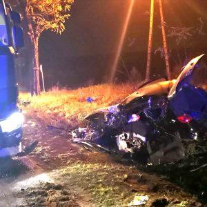 TRAGICZNY WYPADEK! Zderzenie auta osobowego z ciężarowym