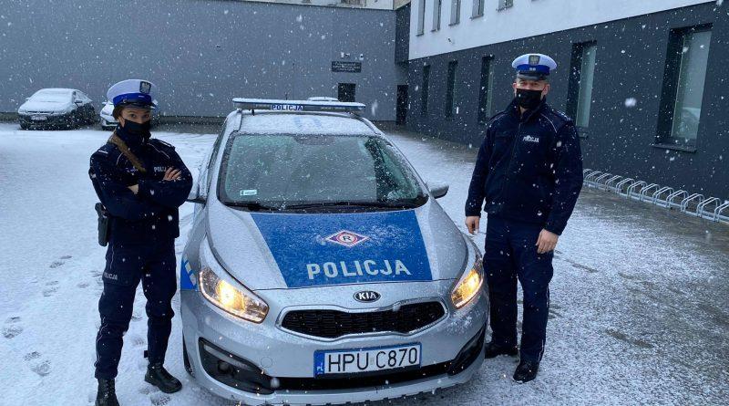 Nowy Tomyśl: Policjanci pomogli mężczyźnie w szybkim dotarciu do szpitala!