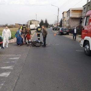 POWIAT NOWOTOMYSKI: Zderzenie motoroweru z samochodem osobowym
