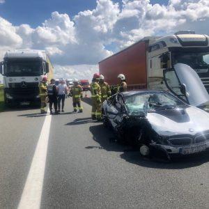 Groźne zdarzenie na A2 z udziałem BMW i ciężarówki