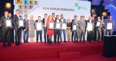 Jan Grabkowski, starosta poznański, wręczył tytuły Poznańskiego Lidera Przedsiębiorczości najlepszym przedsiębiorcom w Metropolii Poznań.