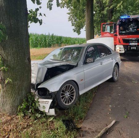 Groźny wypadek z udziałem dwóch aut bmw